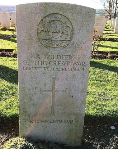 Grave for unknown soldier Leics Regiment at Thiepval