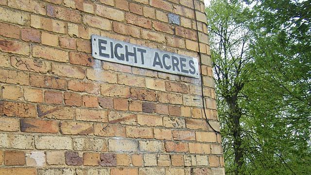 Eight Acres, Stamford